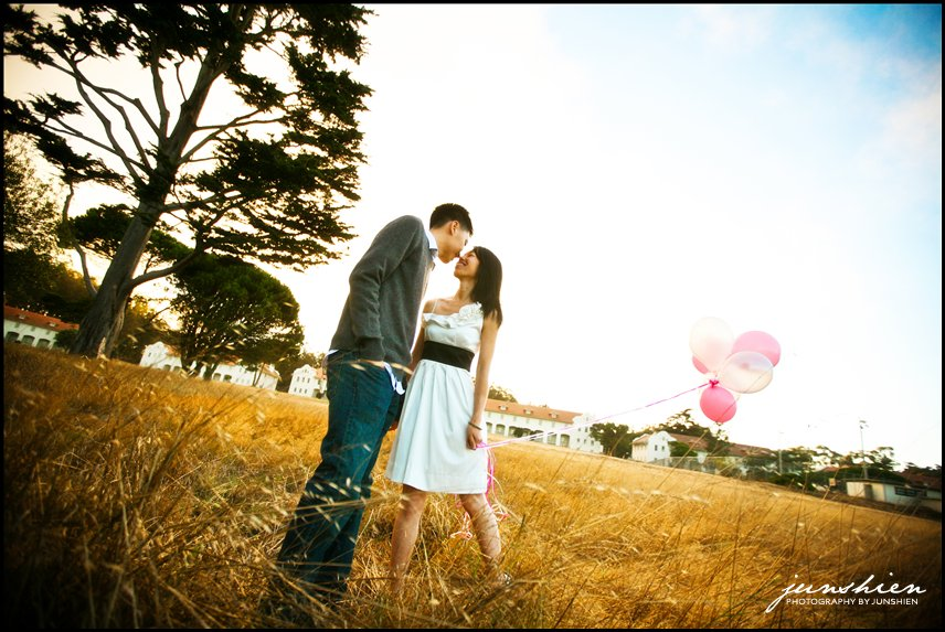 san francisco wedding photographer san francisco engagement photography san francisco engagement photographer san francisco bay area engagement session bay area engagement session photographer balloons